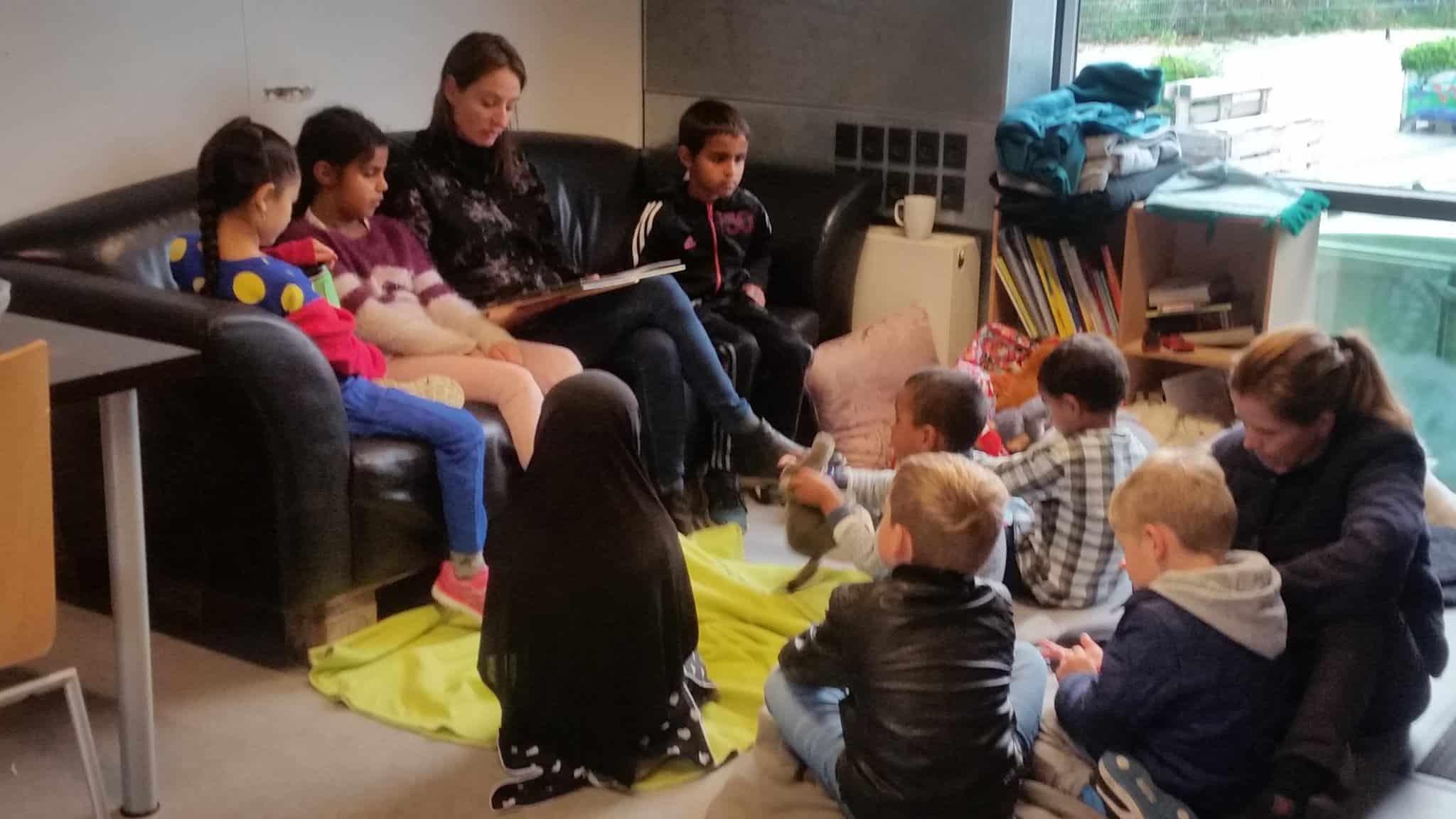 Børnebogsforfatter Stine Josefine Dige læser op