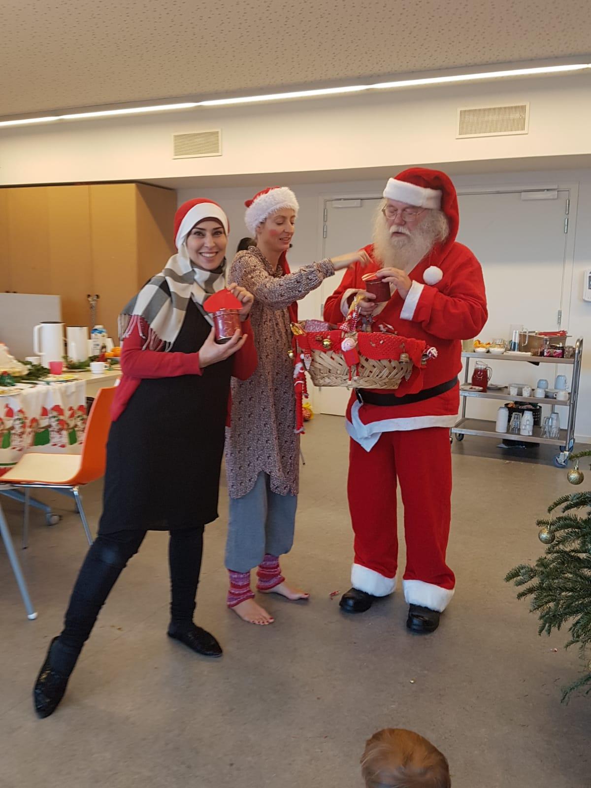 Julemanden kommer på besøg til Troldebold